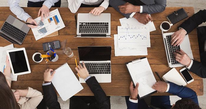 اهمیت کاهش تعداد اعضا در اثربخشی جلسه